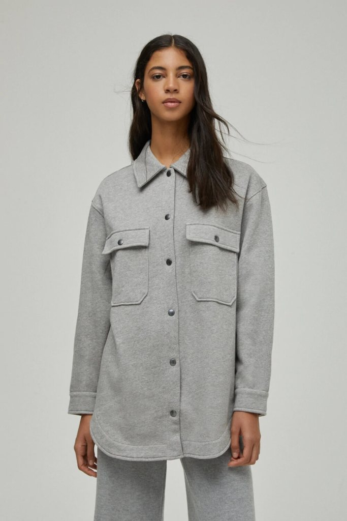 Grey overshirt with front pockets Pull and bear