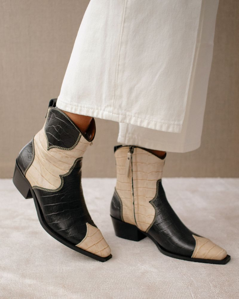 Buffalo Black and White cowboy boots alohas
