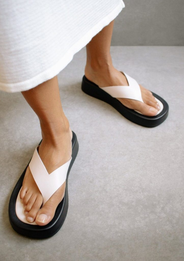 Overcast Ivory sandals Alohas